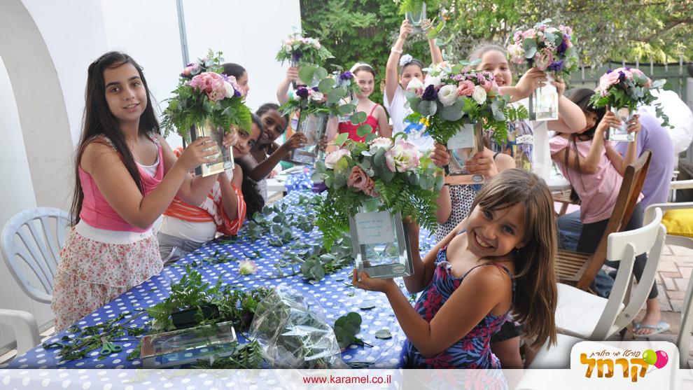 שמח בפרח - יום הולדת מלא פרחים - 073-7828088